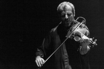 Φωτογραφία ημέρας: ...το βιολί του