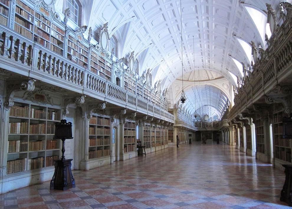 mafra-national-palace-library1