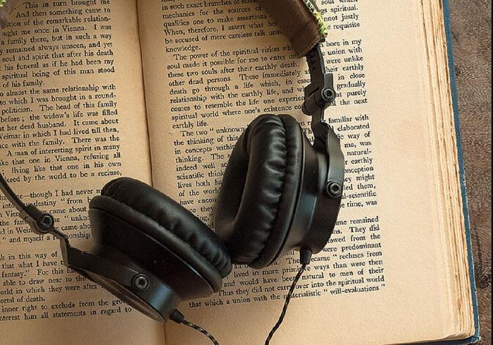 Ακουστικά κι ανάγνωση