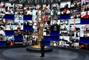 "Emmy Awards 2020: Τα πανδEMMYκά Τηλεοπτικά Βραβεία! - Ο οικοδεσπότης Jimmey Kimmel με τους ""εικονικούς"" καλεσμένους του."