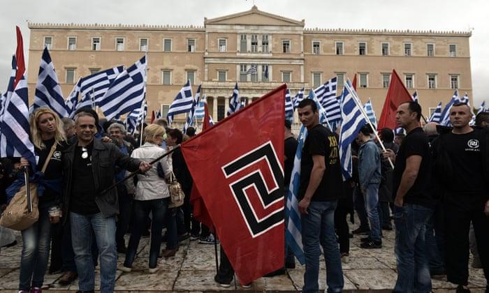 Στιγμιότυπο από το ντοκιμαντέρ της εφημερίδας Guardian με τίτλο 'The rise of Golden Dawn in Greece'.