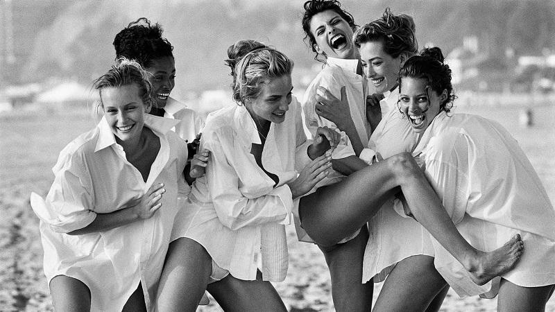 Η συγκεκριμένη λήψη παρά την προσπάθεια του Peter Lindbergh, παρέμενε αδιάφορη και ημιτελής μέχρι να αναλάβει τα ηνία της US Vogue η Anna Wintour (Santa Monica, 1988).