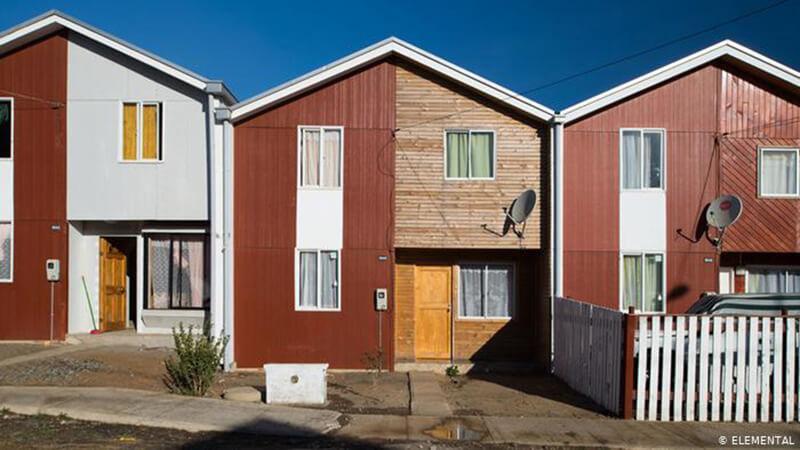 Η αρχιτεκτονική μπορεί να χαρακτηριστεί ως μία κοινωνική επιστήμη καθώς αναγνωρίζει, μελετά και επηρεάζει τις ανθρώπινες κοινωνίες