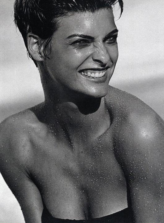"""Το super model """"χαμαιλέοντας, η Καναδή Linda Evangelista - Vogue IT, 1989."""