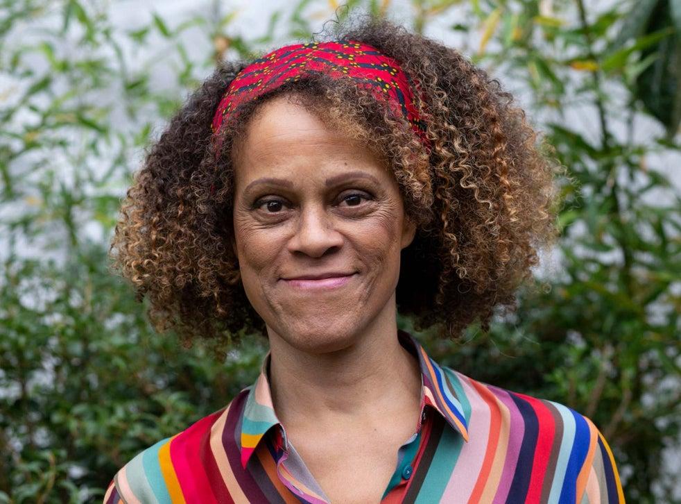 Η συγγραφέας Bernadine Evaristo, όπως φωτογραφήθηκε για την εφημερίδα The Independent.
