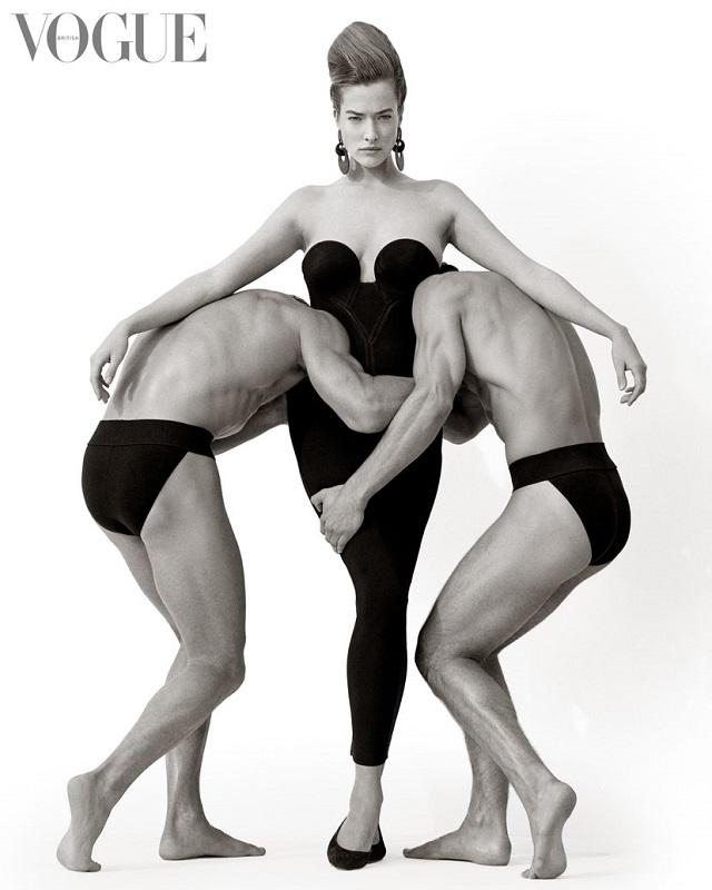 Φωτογραφημένη η Tatjana Patitz από τον Herb Ritts σε editorial της Vogue με δημιουργίες Nikos Apostolopoulos, 1988.