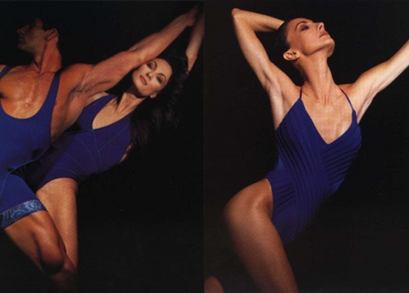 Η Έλενα Κουντουρά στις δόξες της ως μοντέλο, ποζάρει για λογαριασμό της συλλογής Nikos Apostolopoulos, 1997.