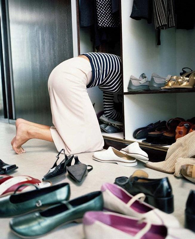 Η εκκαθάριση της ντουλάπας μας, εκτός από την πρακτική εξοικονόμηση που αποφέρει, δρα επιπλέον και αγχολυτικά.