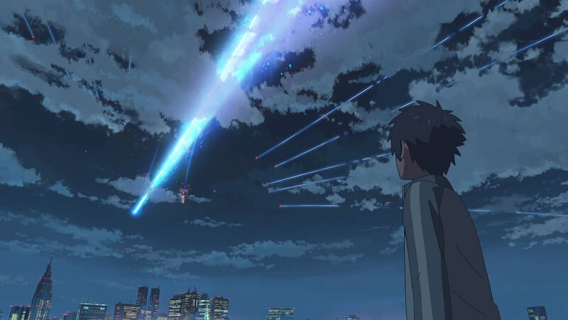 o Taki παρακολουθεί τον κομήτη από το σπίτι του στο Tokyo