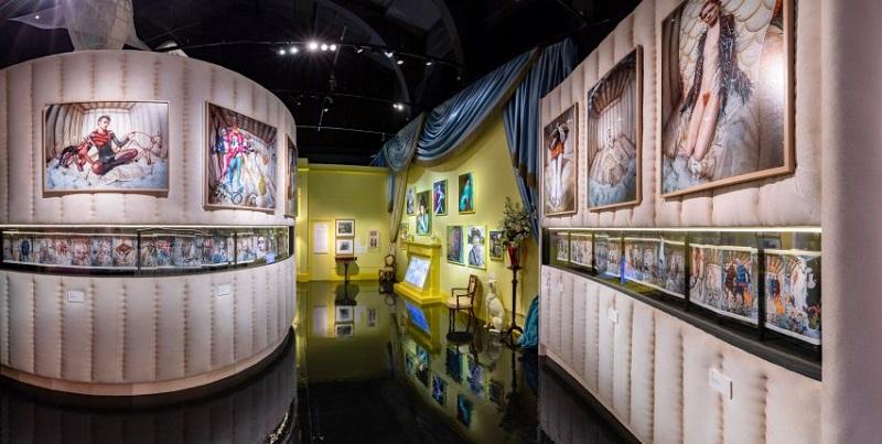 """Από τον ειδικά διαμορφωμένο χώρο στο V&A Museum, στα πλαίσια της έκθεσης """"Wonderful Things""""."""