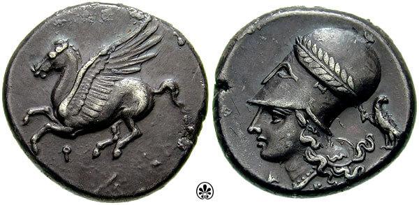 Κάτω από τον Πήγασο, σύμβολο και αυτός της αρχαίας Κορίνθου, διακρίνεται το κόππα. Αργυρό τρίδραχμο του 4ου αιώνα π.Χ.