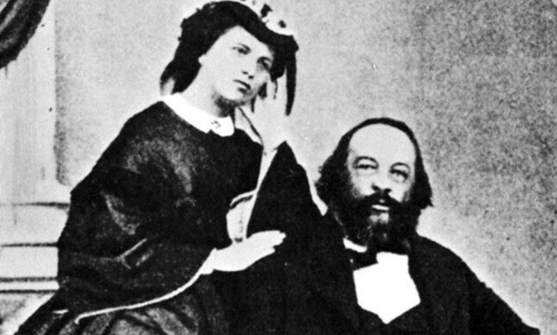 Ο Μιχαήλ Μπακούνιν με τη σύζυγο του.