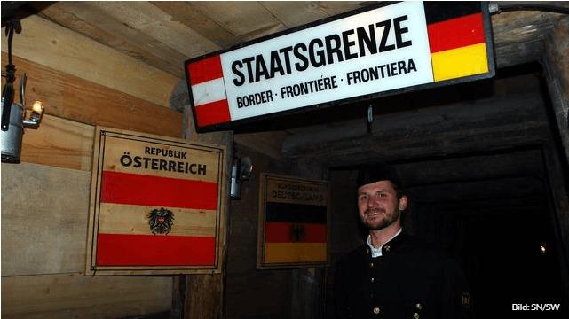 Το ορυχείο του Dürrnberg χωρίζεται σε αυστριακό και γερμανικό τμήμα, καθώς βρίσκεται ακριβώς στη συνοριακή γραμμή μεταξύ των δύο κρατών.