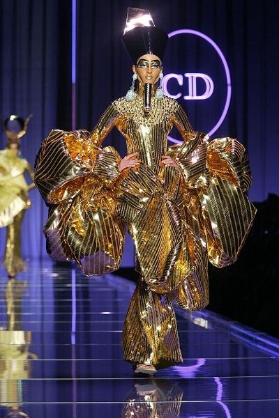 Συλλογή Dior άνοιξη - καλοκαίρι 2004.