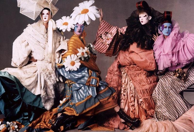 Από την συλλογή Asia Major 2003, φωτογραφία Steven Meisel.